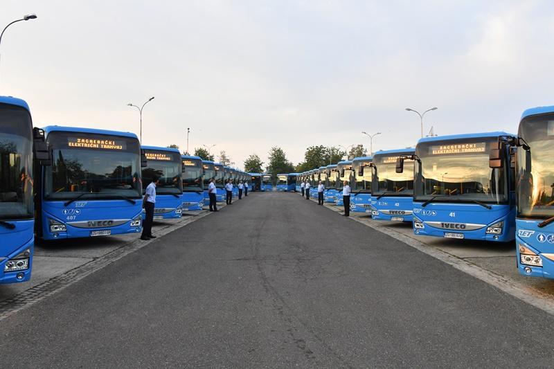 Photo of ZET predstavio nove poluniskopodne gradske autobuse