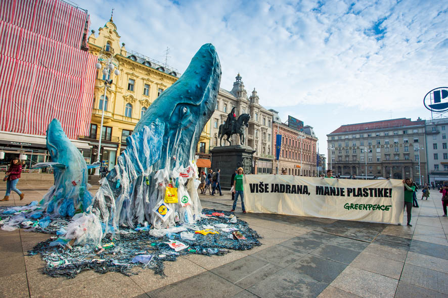 Photo of APEL IZ MORSKIH DUBINA Što rade kitovi na glavnom zagrebačkom trgu?
