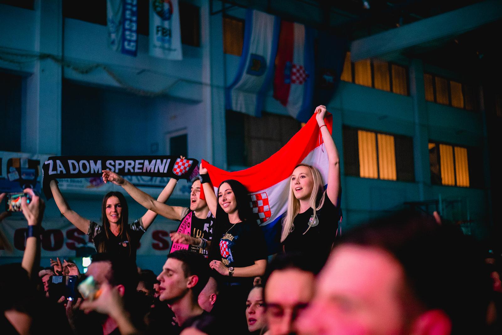 likaclub_gospić_koncert-thompson_2018-100