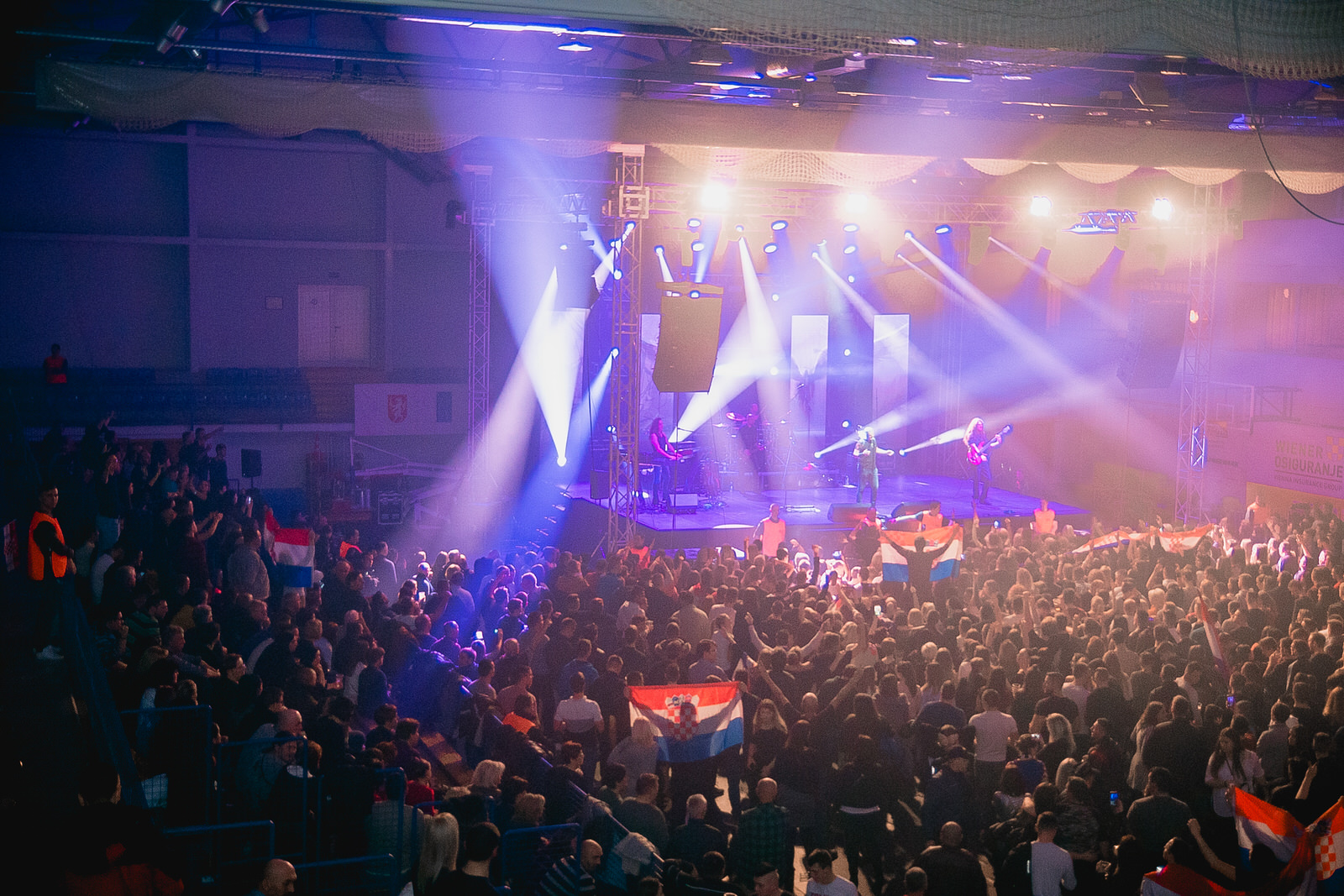 likaclub_gospić_koncert-thompson_2018-105
