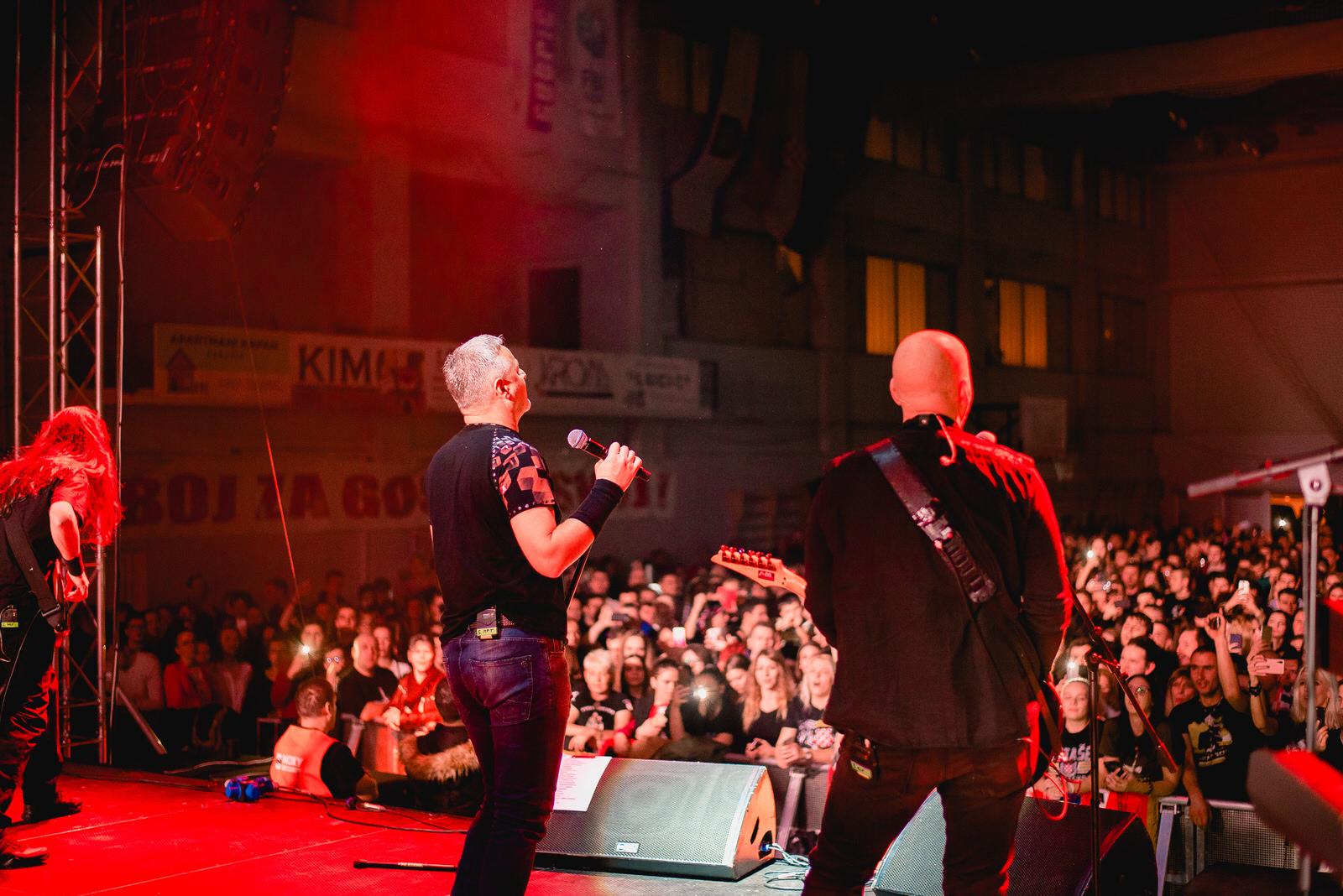 likaclub_gospić_koncert-thompson_2018-18