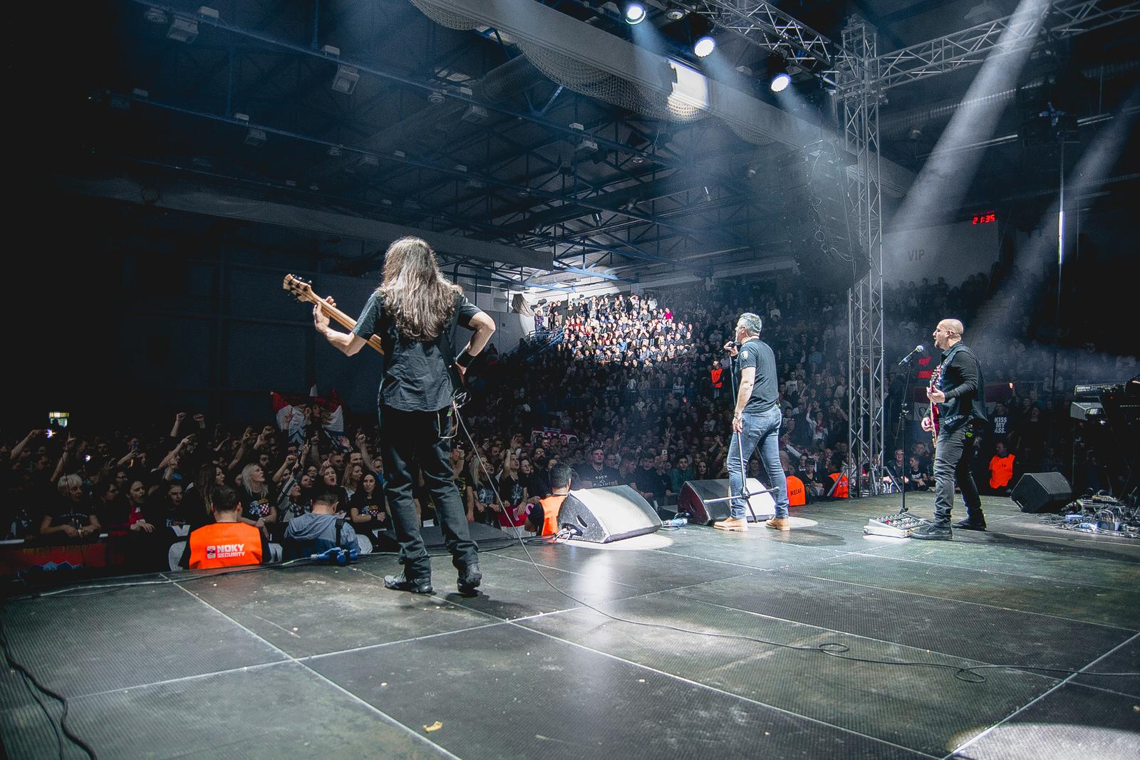 likaclub_gospić_koncert-thompson_2018-52