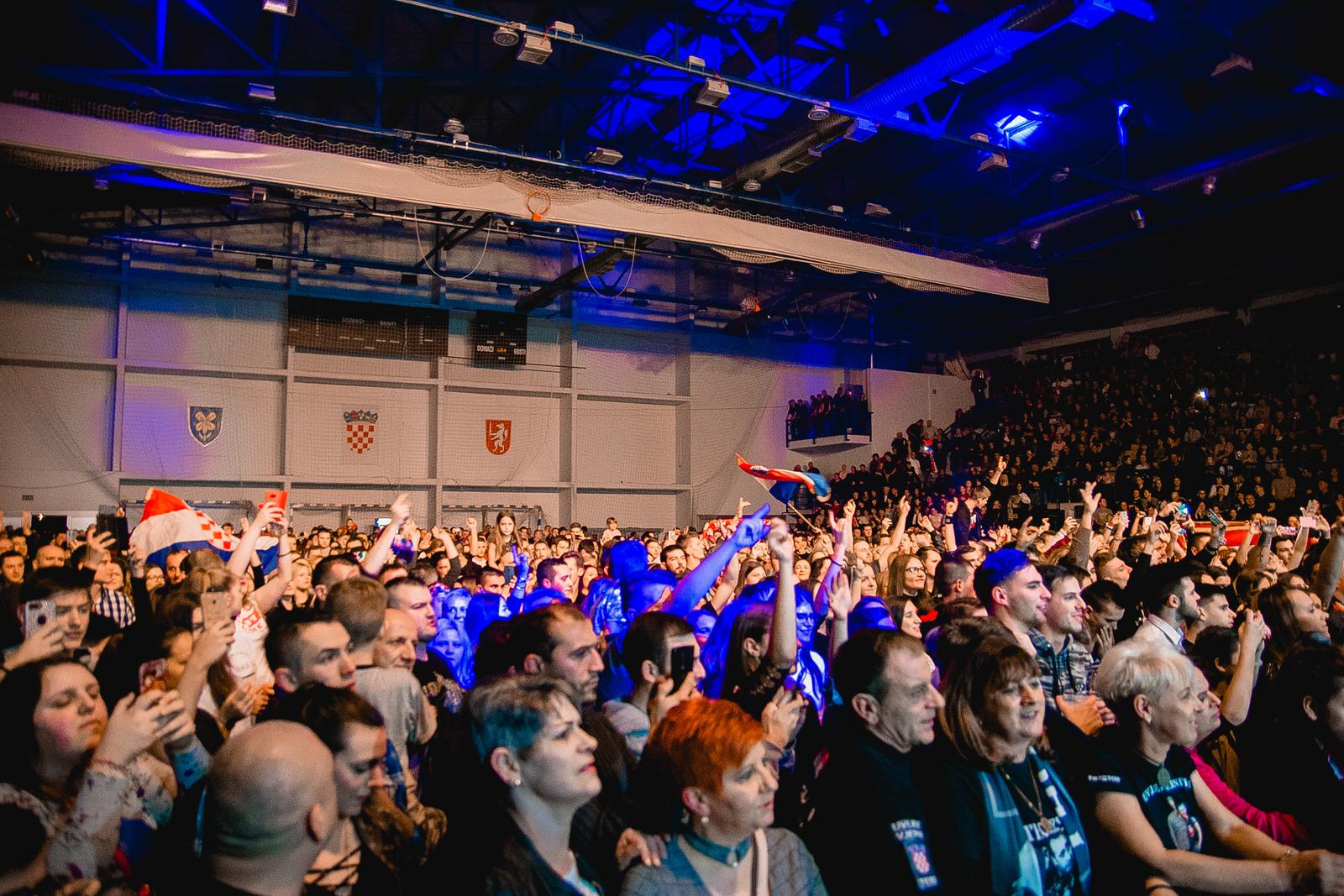 likaclub_gospić_koncert-thompson_2018-58