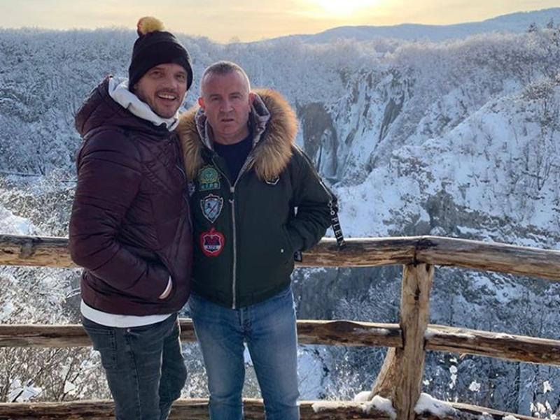 Photo of Poznata folk zvijezda pozdravlja fanove s pogledom na Plitvička jezera