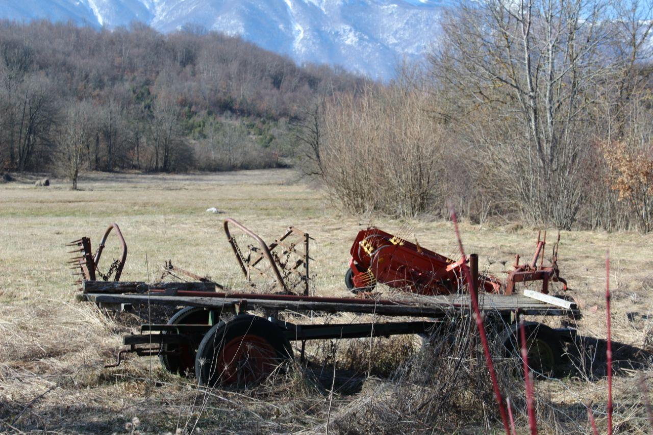 Photo of Svračkovo Selo u općini Udbina: Selo bez asfalta, vode i kanalizacije kojeg se političari sjete samo pred izbore