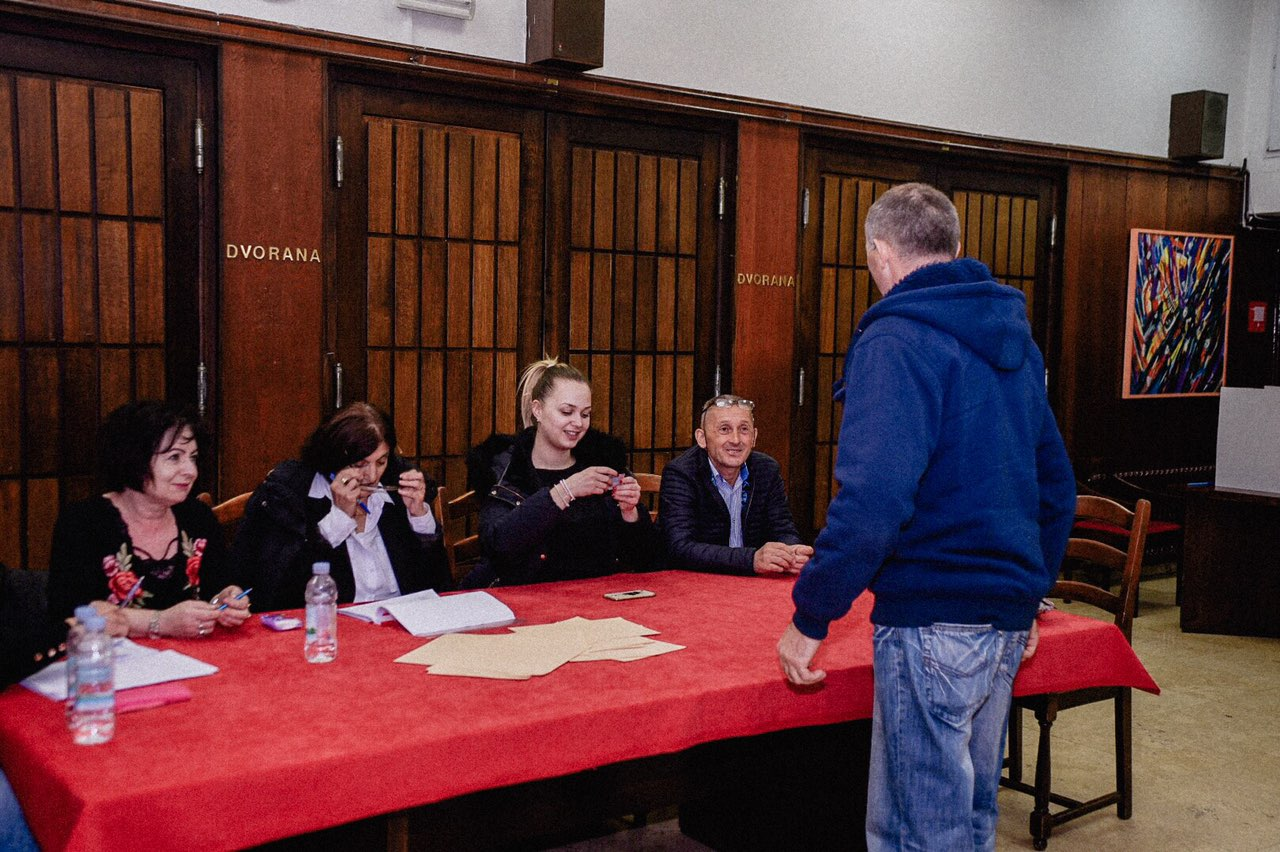 Photo of AŽURIRANO: 57 od 116 biračkih mjesta – HDZ uvjerljivo prvi? Milinović drugi, SDSS treći?!?
