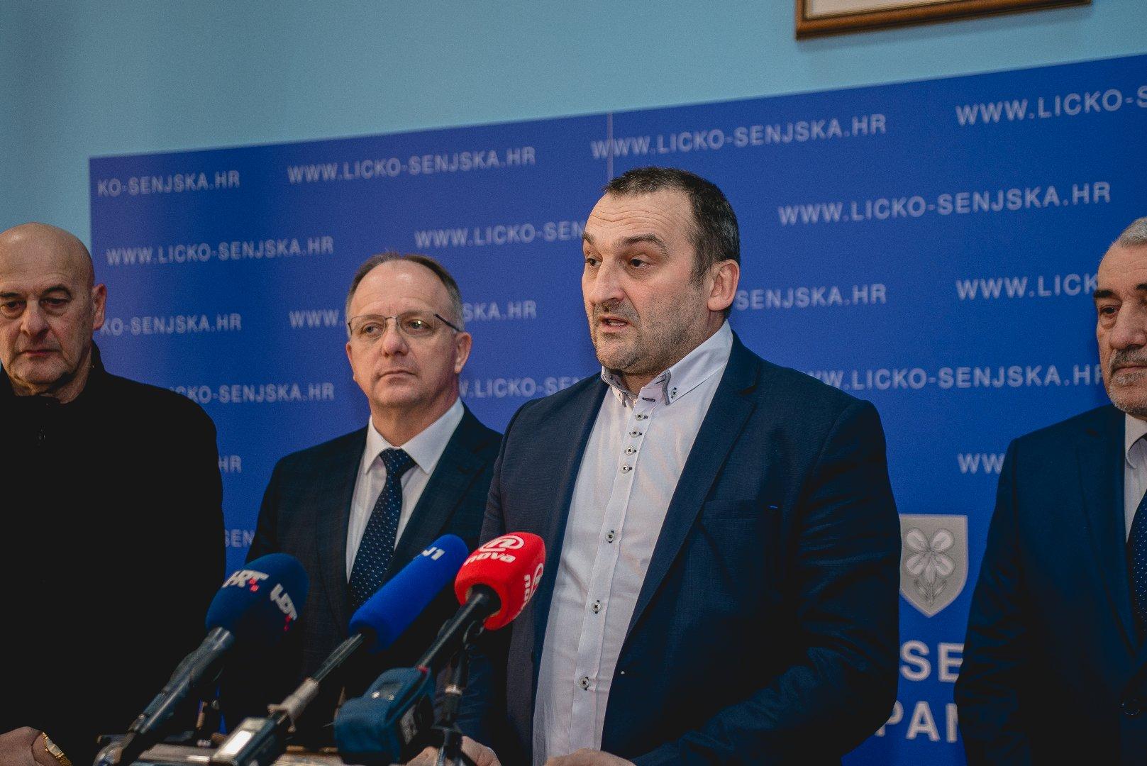 Photo of Ante Kovač o odgodi sjednice Županijske skupštine: Plenković se ovakvim potezima srozava na razinu seoskog lokalnog šerifa