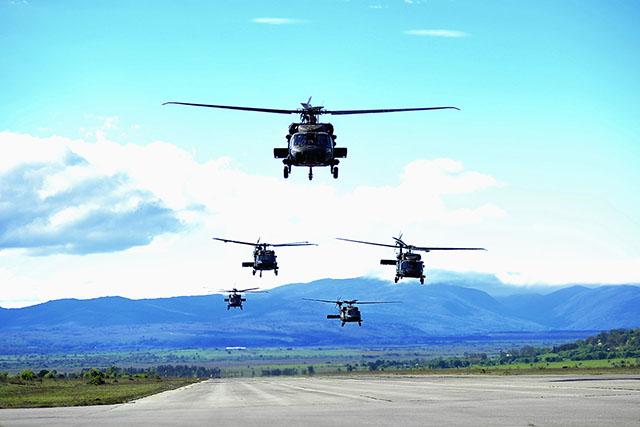 Photo of BLACK HAWK Američki helihopteri doletjeli u Udbinu – pogledajte spektakularne snimke!