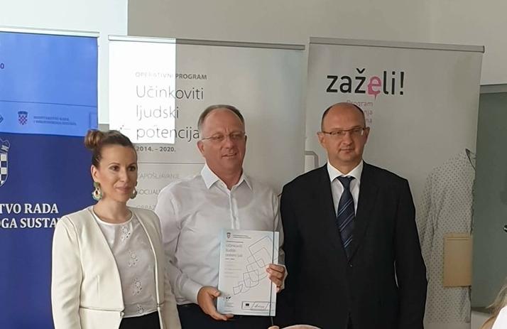 """Photo of U Novalju stiže još dva milijuna kuna iz EU fondova, kroz projekt """"Zaželi"""""""