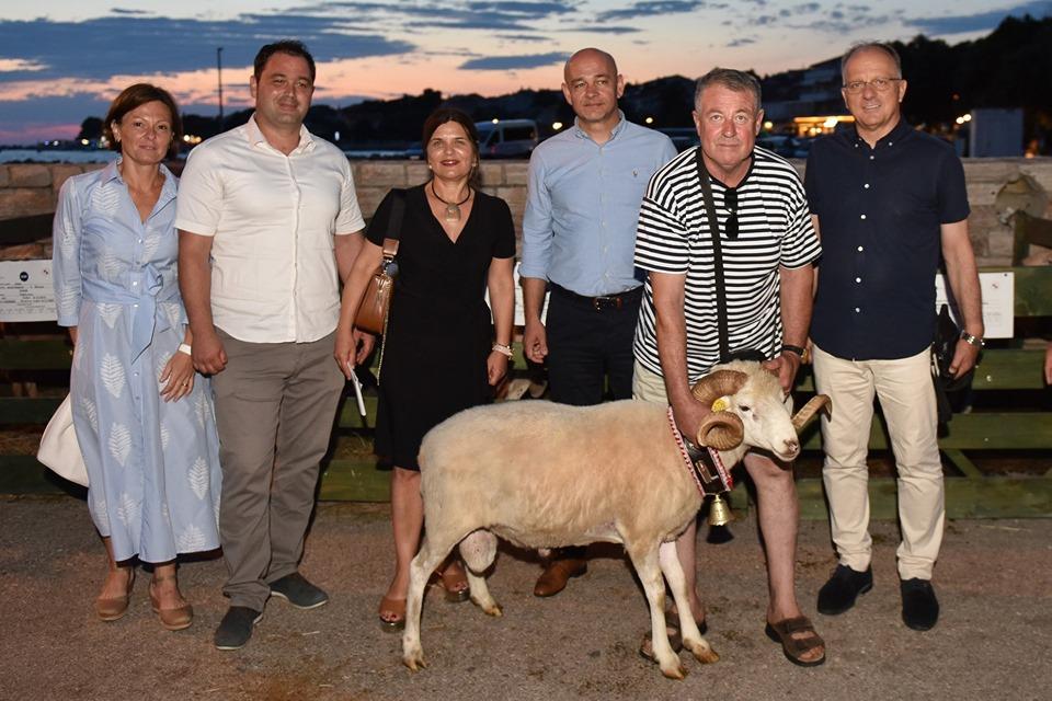 Photo of FOTO U Novalji održana tradicionalna, 19. po redu Izložba paške ovce i paškog sira
