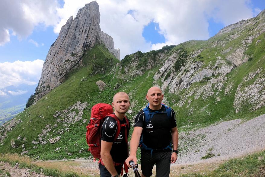 Photo of FOTO Avanturistički dvojac iz Otočca na alpinističkom usponu u Švicarskoj