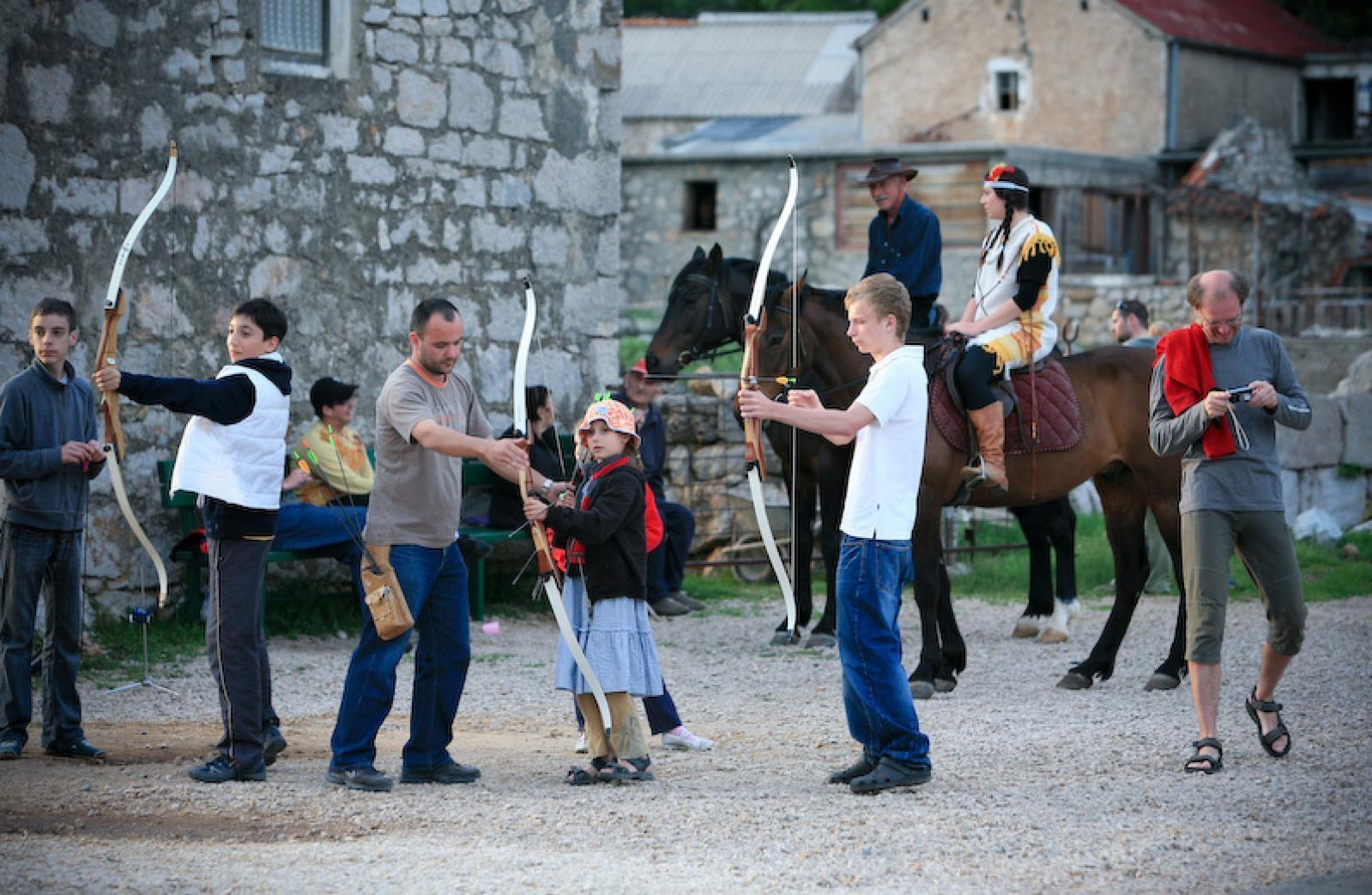 Photo of U KOLOVOZU Winnetou festival u Starigrad Paklenici