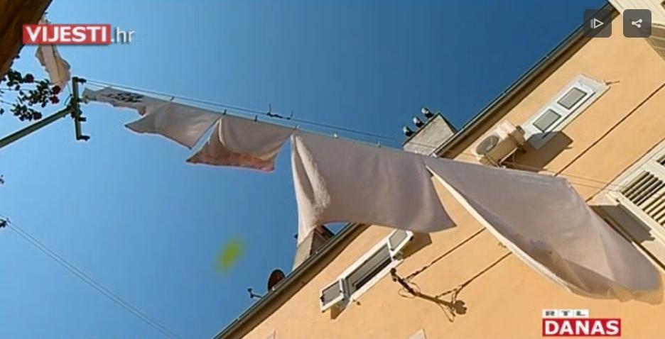 """Photo of VIDEO Gubi li se mediteranski """"štih"""" na obali? I Pula zabranila sušenje rublja na vidljivim mjestima i hranjenje golubova"""