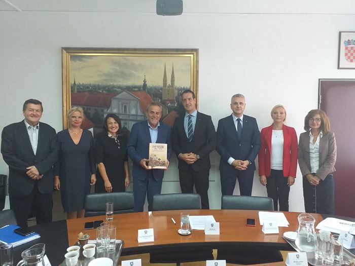 Photo of Gradonačelnik Bandić primio izaslanstvo Hrvatskog kulturnog društva Napredak