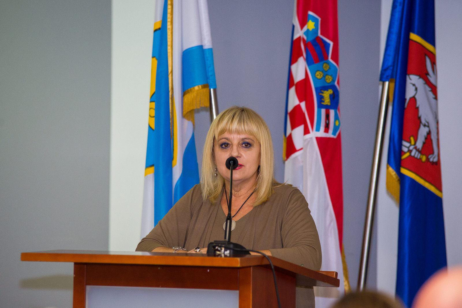"""likaclub_gospić_Radionica-""""Novi-trendovi-u-turizmu-izazovi-i-rješenja""""_2019-10"""