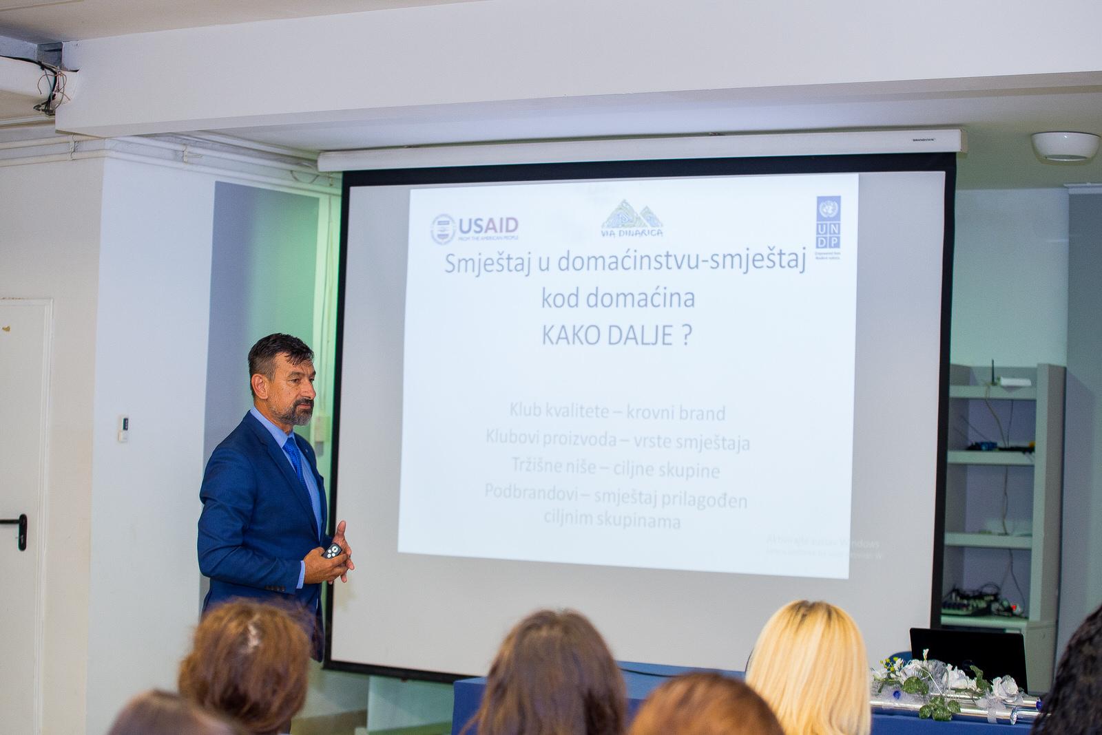 """likaclub_gospić_Radionica-""""Novi-trendovi-u-turizmu-izazovi-i-rješenja""""_2019-13"""