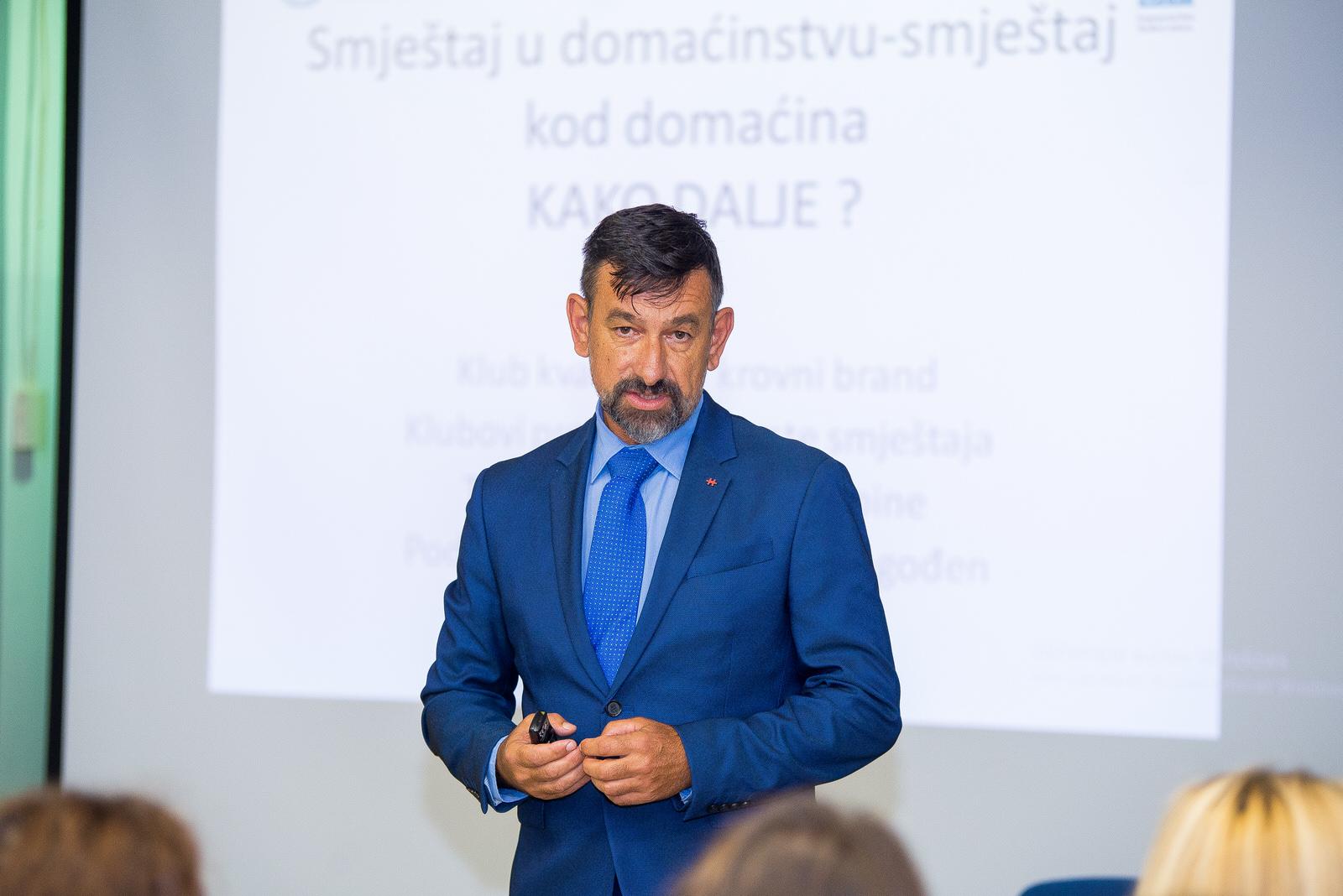 """likaclub_gospić_Radionica-""""Novi-trendovi-u-turizmu-izazovi-i-rješenja""""_2019-14"""
