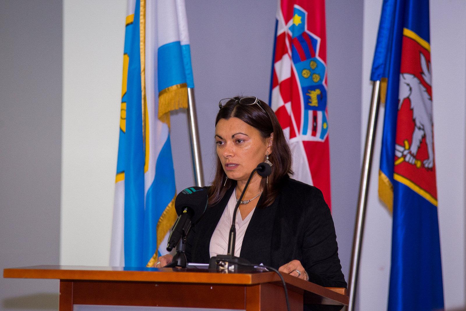 """likaclub_gospić_Radionica-""""Novi-trendovi-u-turizmu-izazovi-i-rješenja""""_2019-2"""