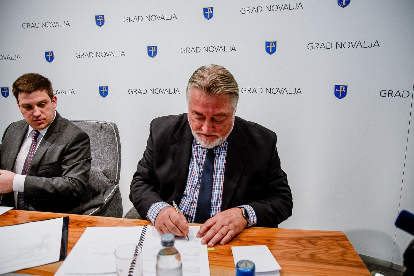 likaclub_novalja_potpisivanje-ugovora-žigljen_2019-20