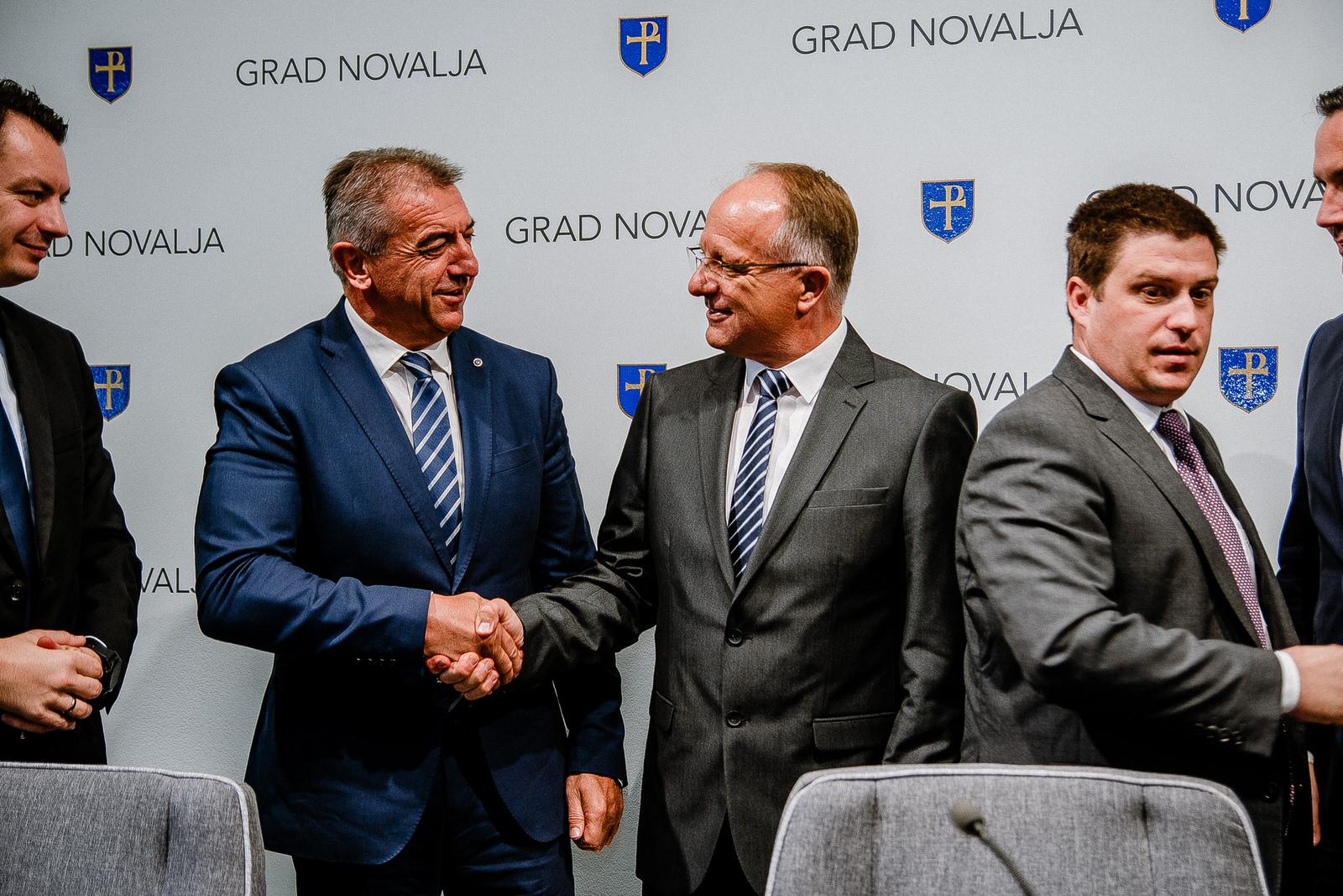 likaclub_novalja_potpisivanje-ugovora-žigljen_2019-22