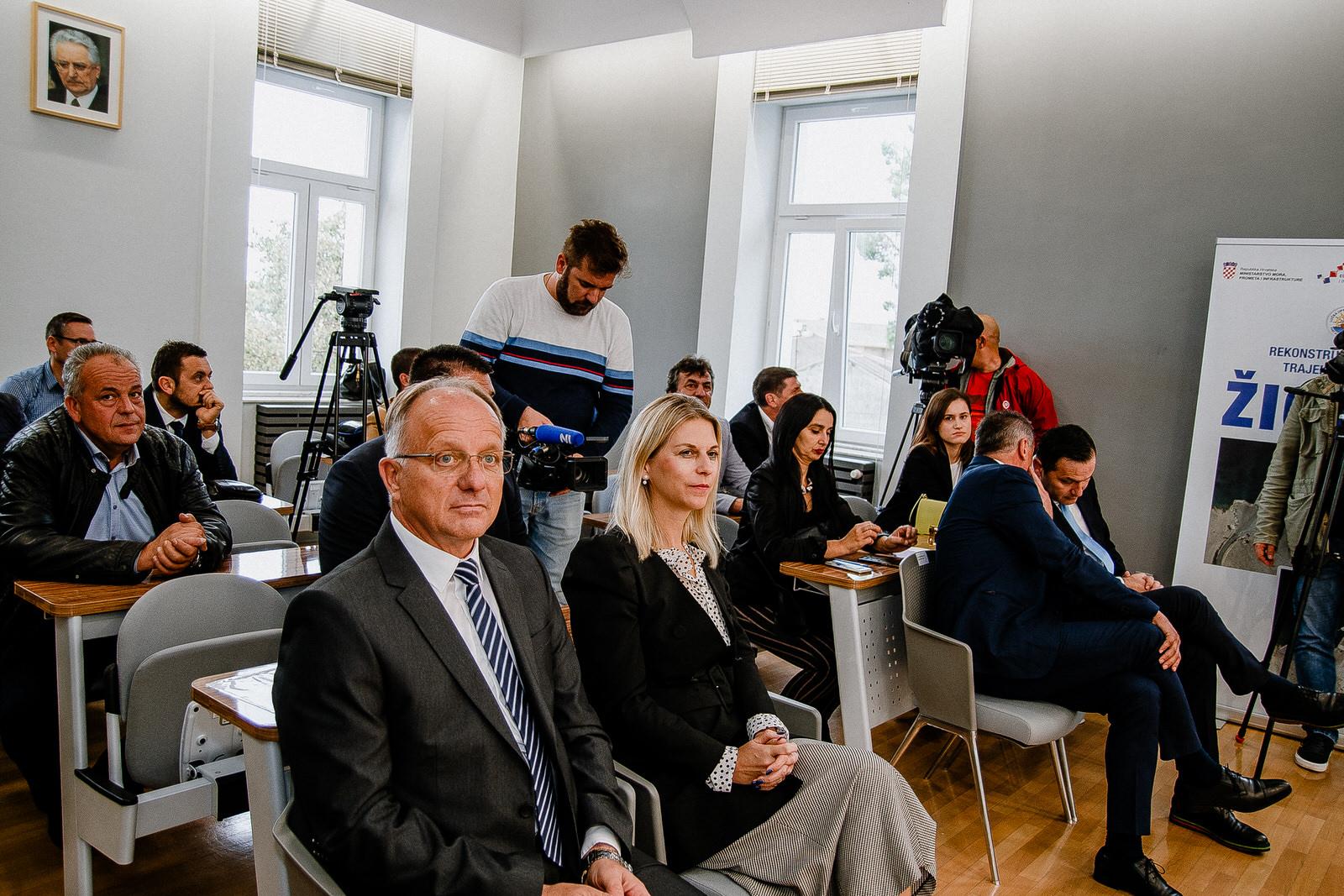 likaclub_novalja_potpisivanje-ugovora-žigljen_2019-8