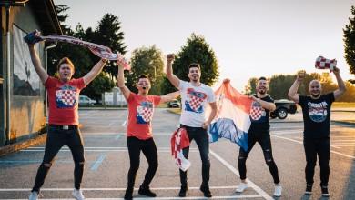 Photo of Tragovi podržali naše Vatrene prvom pjesmom nakon godinu i pol dana