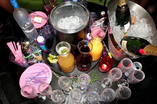 Photo of ZA FEŠTE Alkoholne društvene igre