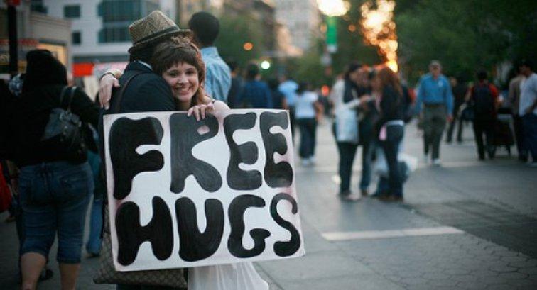 Photo of Zagrlite nekoga, danas je međunarodni dan zagrljaja