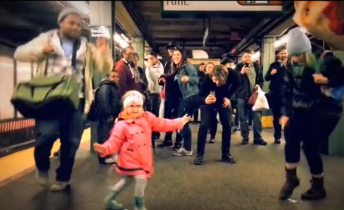 Photo of VIDEO: pogledajte djevojčicu koja je zaplesala i oduševila
