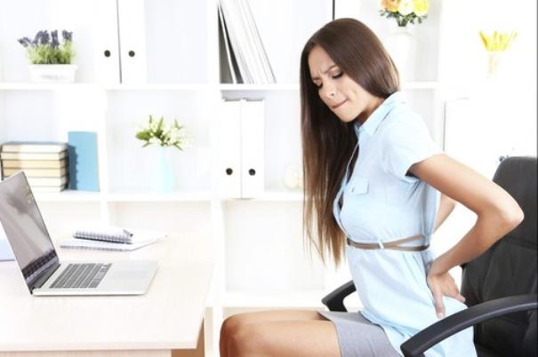Photo of Loše držanje izaziva stres, bol u želucu i teškoće s disanjem