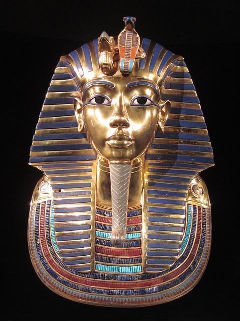 Photo of Katastrofa u egipatskom muzeju : Nepovratno oštetili pogrebnu masku Tutankamona