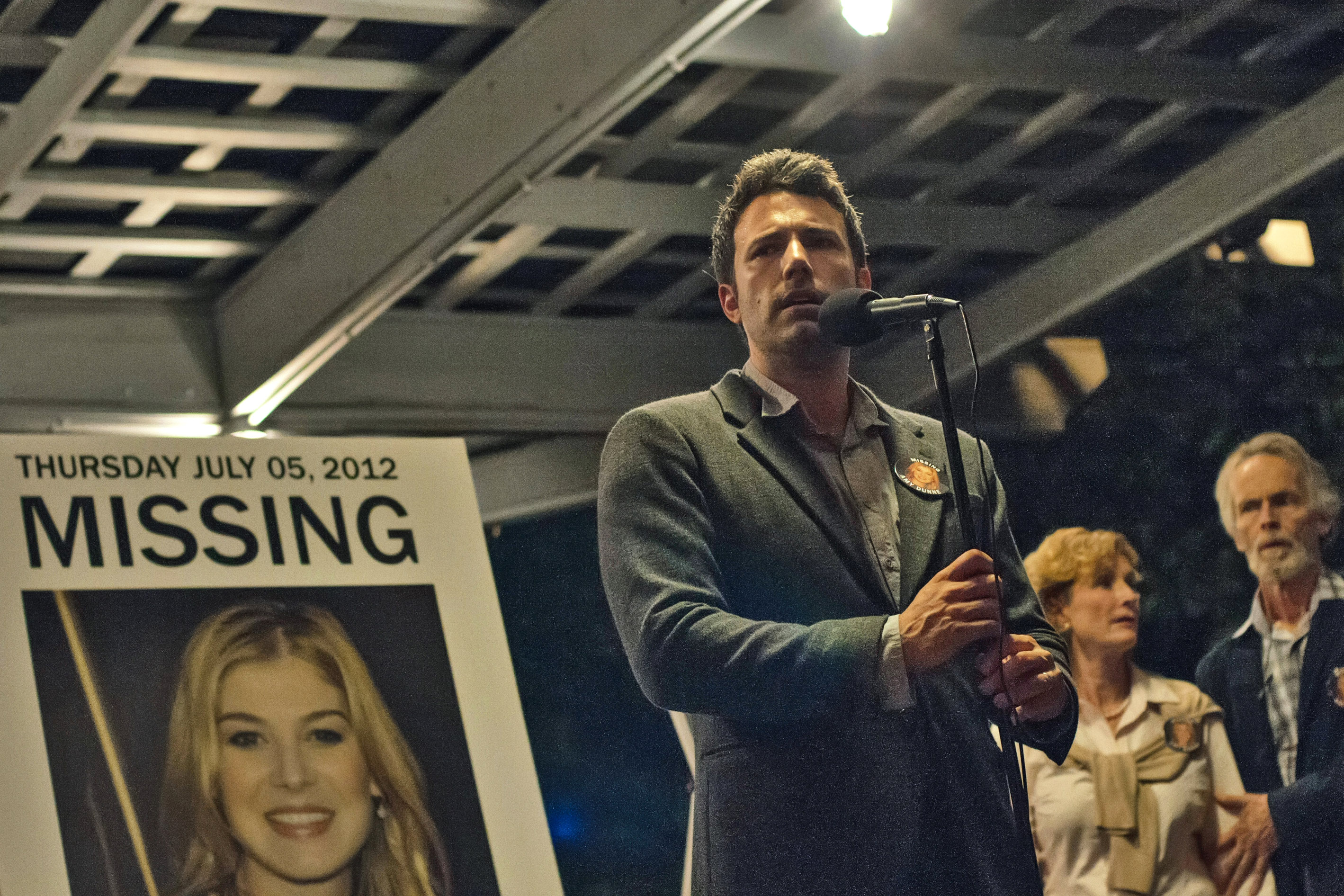 "Photo of Recenzija filma ""Gone girl"": Žena je uzrok muške naivnosti"