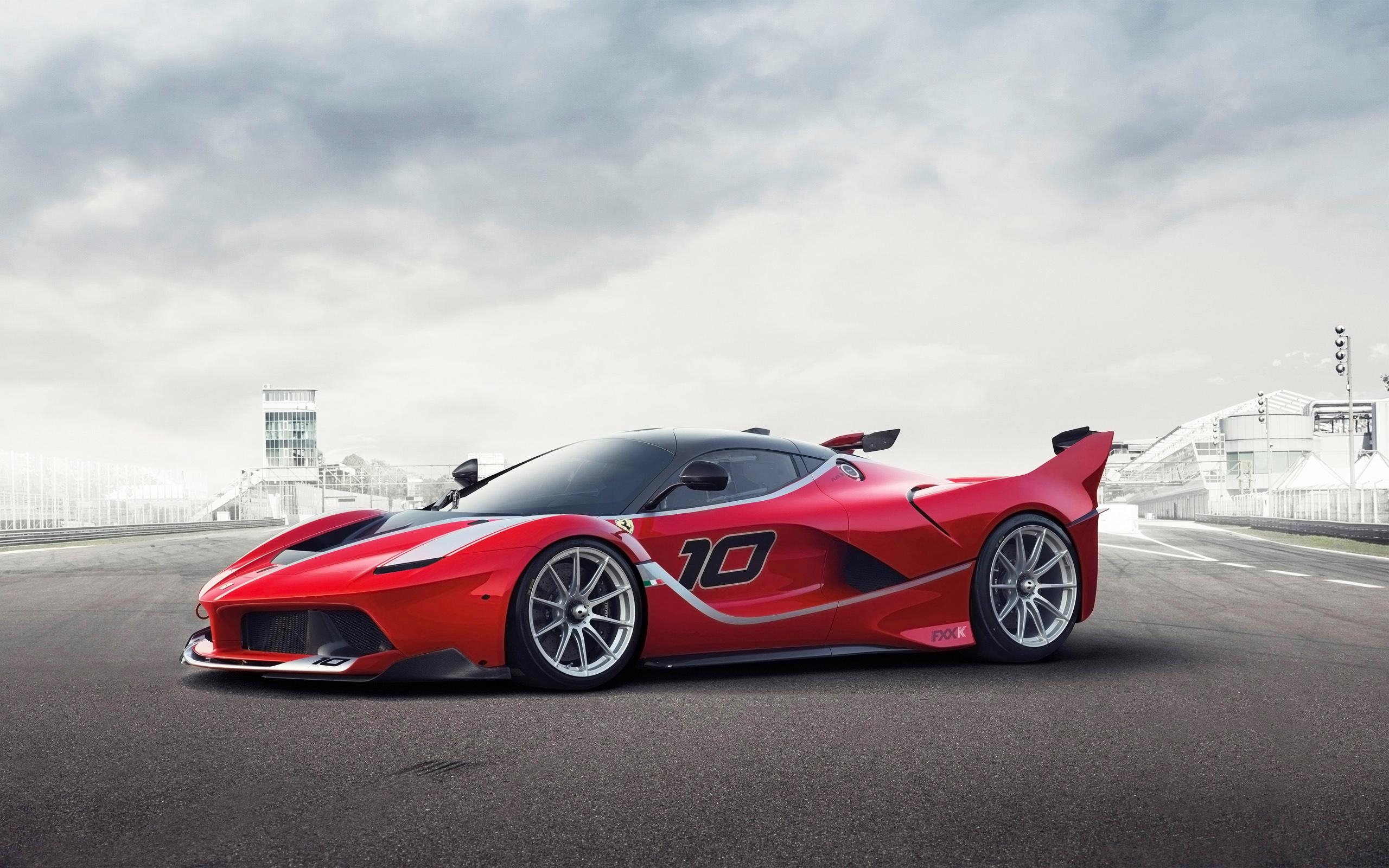 Photo of Ferrari FXX K vrijedan 2,5 milijuna eura rasprodan!