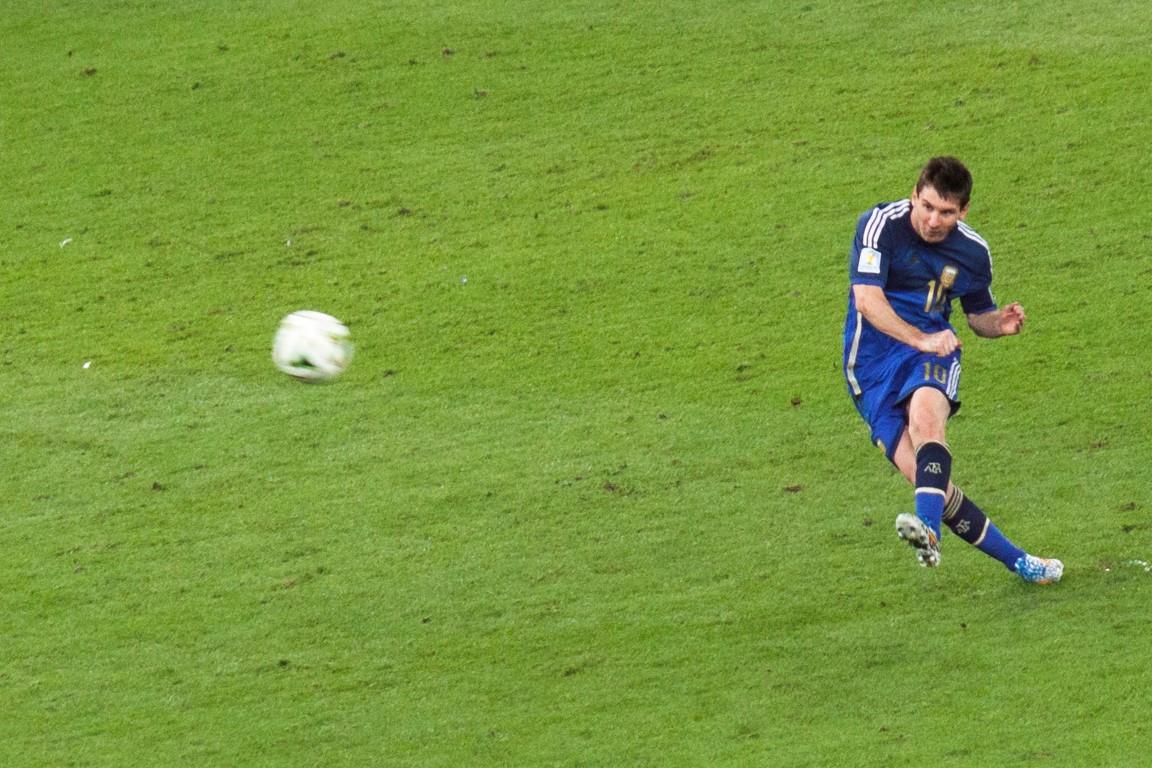 Photo of Messi ušao u odabrano društvo, ali i dalje kasni za Ronaldom