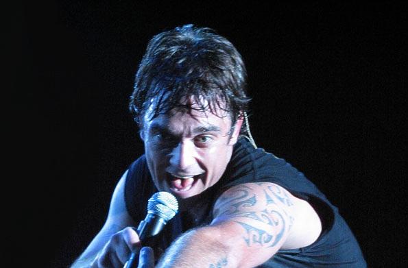 "Photo of Robbie Williams započeo svoju turneju ""Let me Entertain You"""