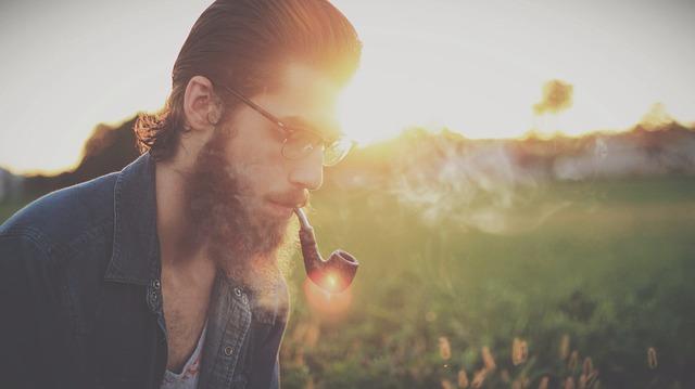 muškarci i brada