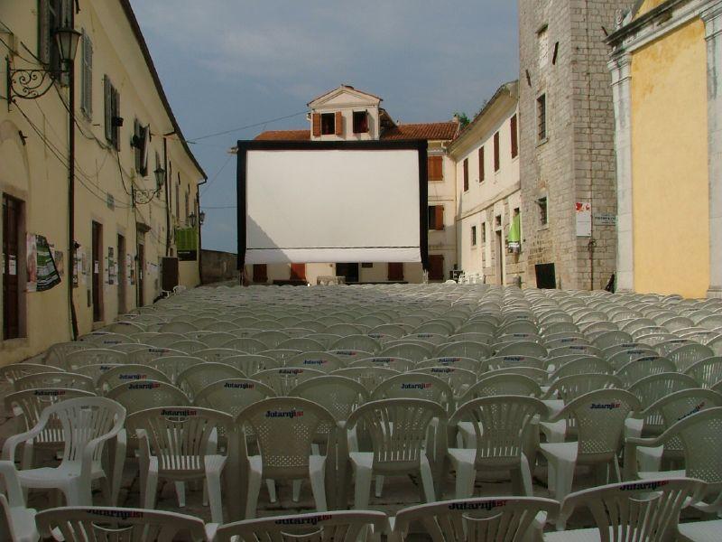 Photo of Motovun Film Festival i ove godine poziva vas na nezaboravnu igru Skrivenih projekcija