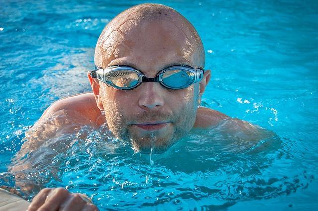 Photo of Crvene oči nakon kupanja u bazenu ne uzrokuje klor