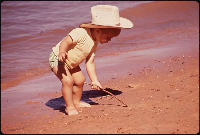 Photo of Razmišljam naglas: Neki idu na more pokazati zategnute guzice, a ja idem na radost svoje djece