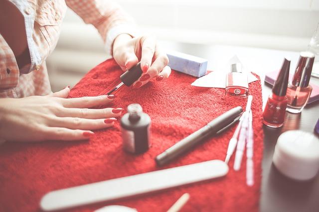 Photo of Ovako ćete uspješno ukloniti mrlje od laka za nokte