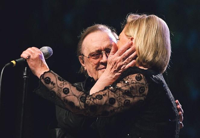 Photo of Gabi Novak zapjevala prvi puta nakon Arsenove smrti
