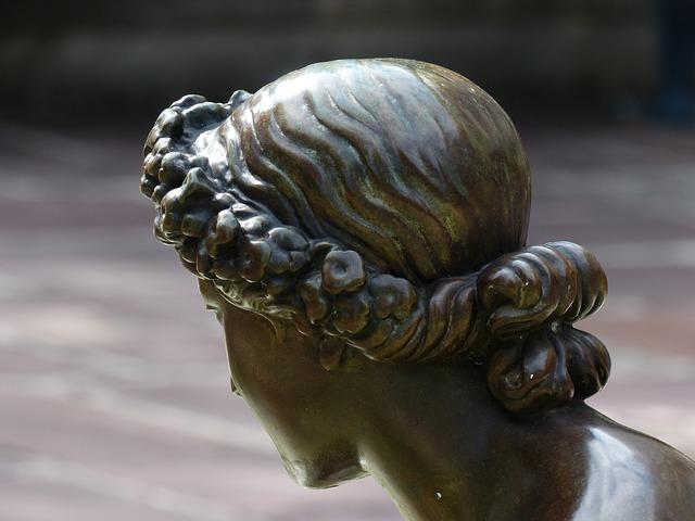 Photo of Razlozi zbog kojih nam opada kosa