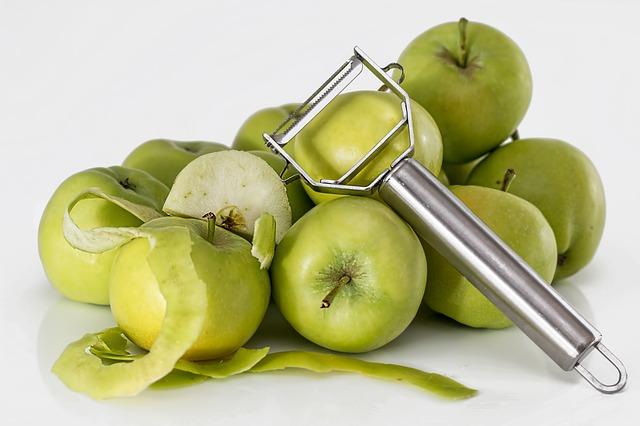 Photo of Za samo 15 sekundi precizno ogulite jabuku