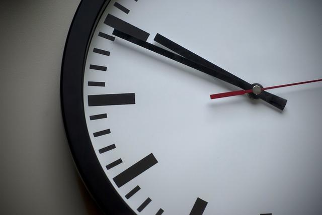 Photo of U nedjelju počinje zimsko računanje vremena, ne zaboravite pomaknuti satove unatrag!