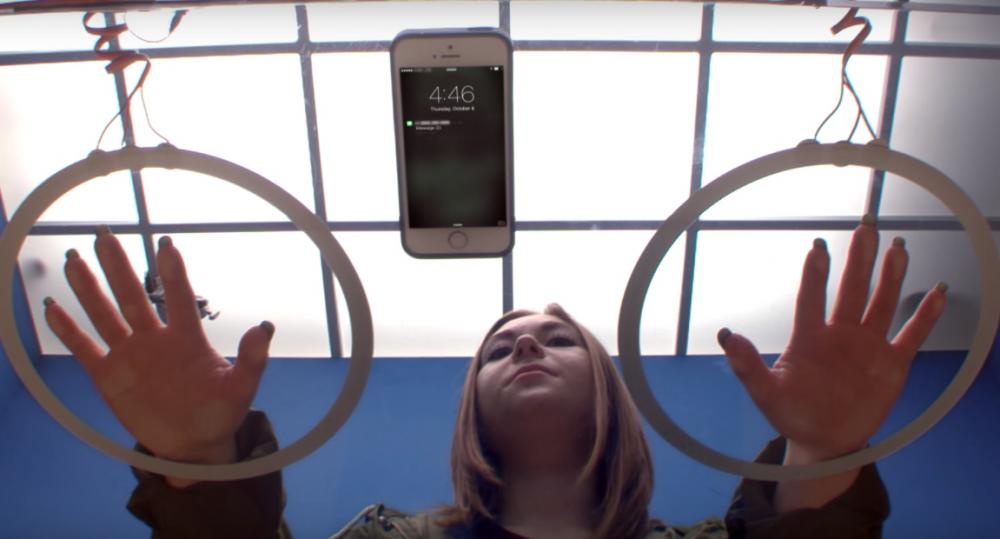 Photo of Nova reklama pokazuje koliko smo ovisni o mobitelima