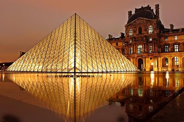 Photo of Pariz: Evo zašto je grad svjetlosti centar svijet