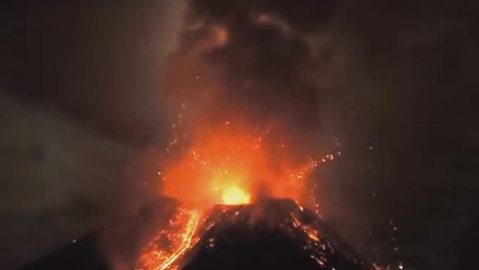 Photo of Pogledajte veličanstvenu snimku erupcije Etne