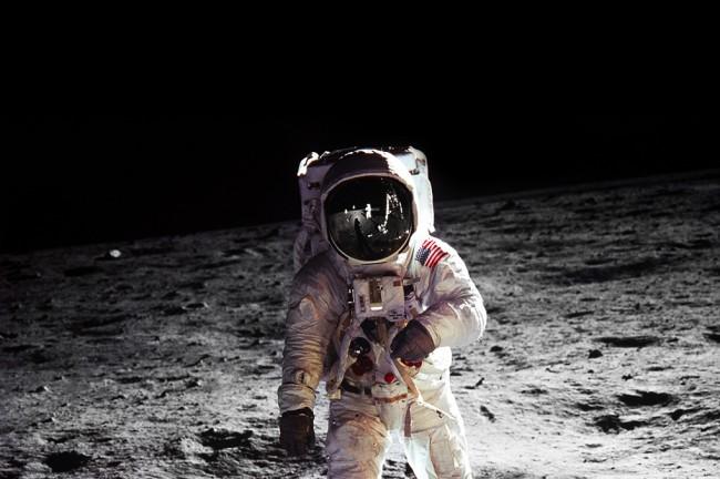 Photo of Da je slijetanje na Mjesec bilo lažno, saznali bi za 4 godine