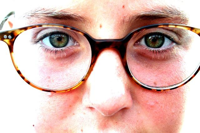 Photo of Dioptrijske naočale vs. leće
