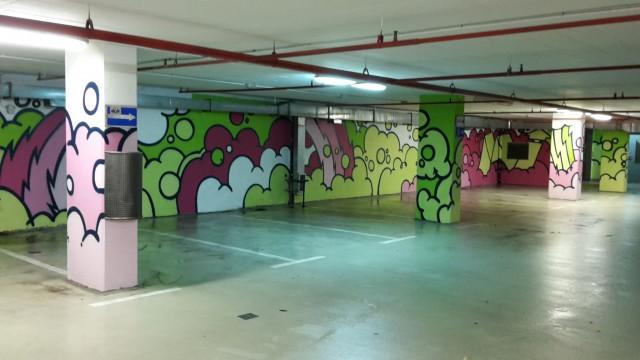 Photo of Garažu na Langovom trgu prekrili grafiti